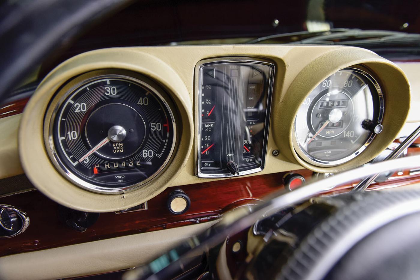 mercedes-benz-600-pullman-1968-10.jpg