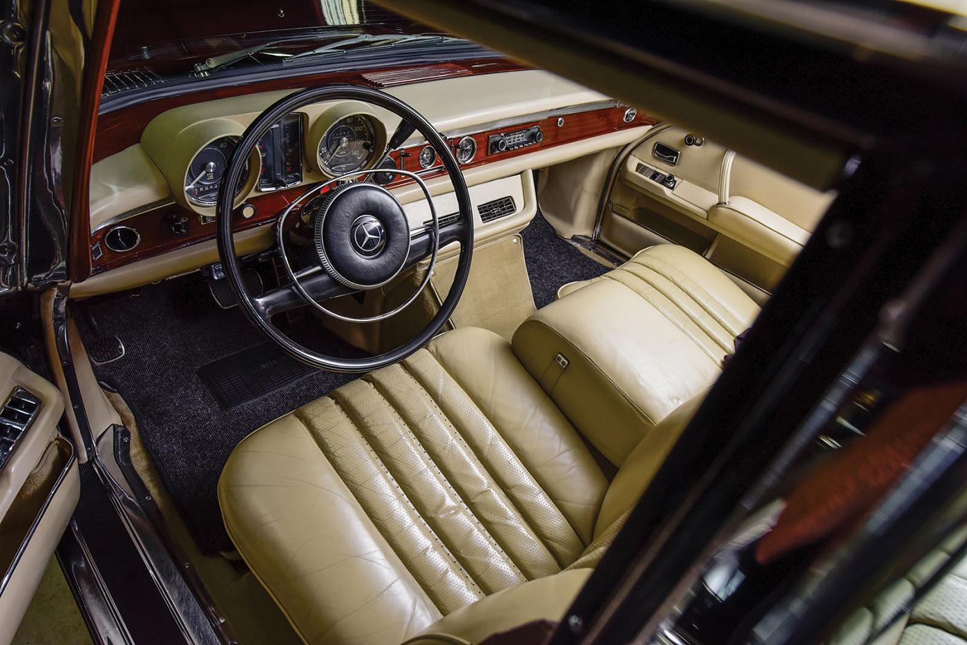 mercedes-benz-600-pullman-1968-5.jpg