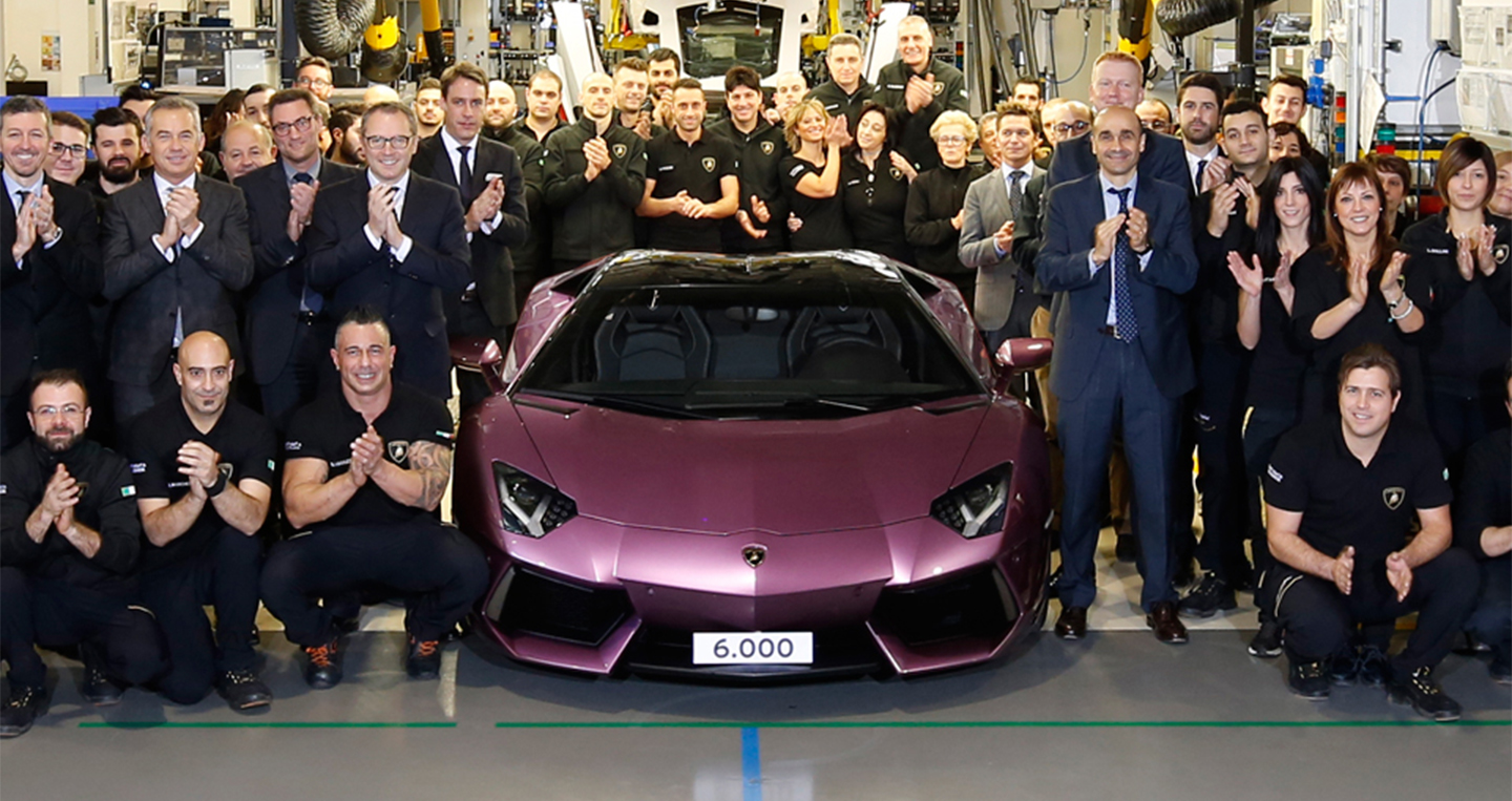 aventador-production.jpg