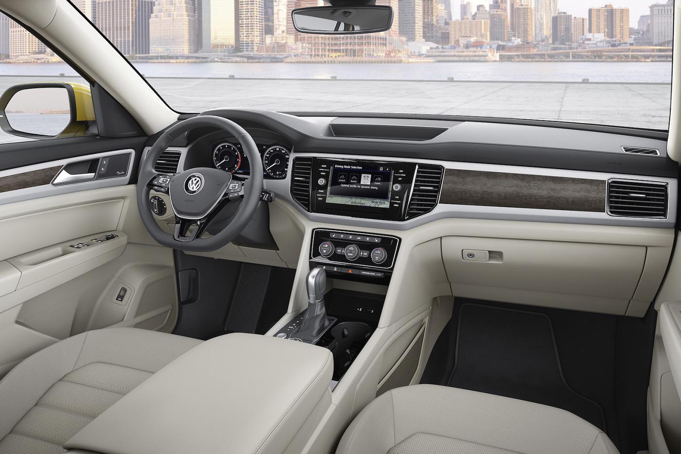 Volkswagen Atlas 2017 có giá từ 30.000 USD - ảnh 8
