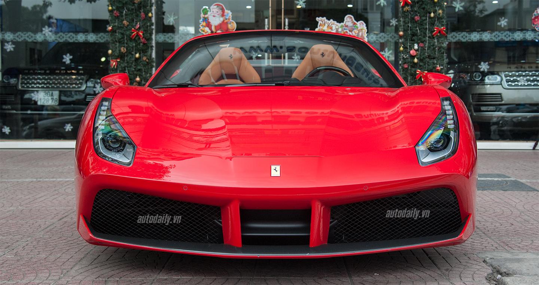 Video: Xem siêu ngựa Ferrari 488 GTB Spider đóng mở mui tại Việt Nam