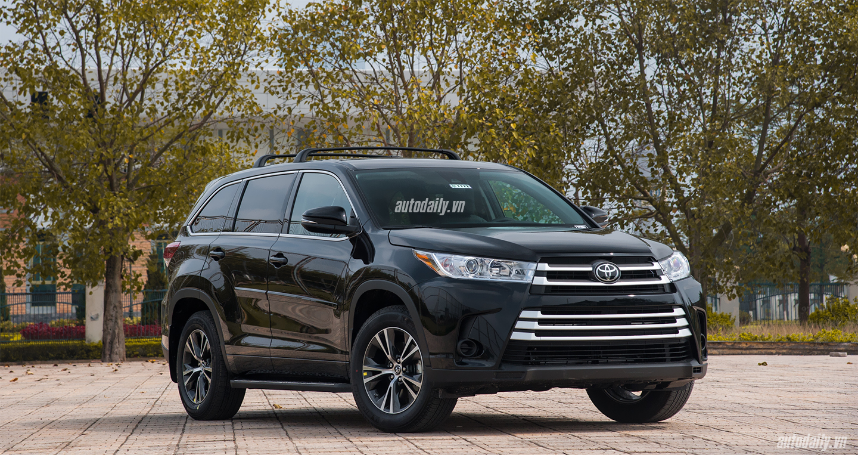 Chi tiết Toyota Highlander LE 2017 giá hơn 2 tỷ tại Việt Nam