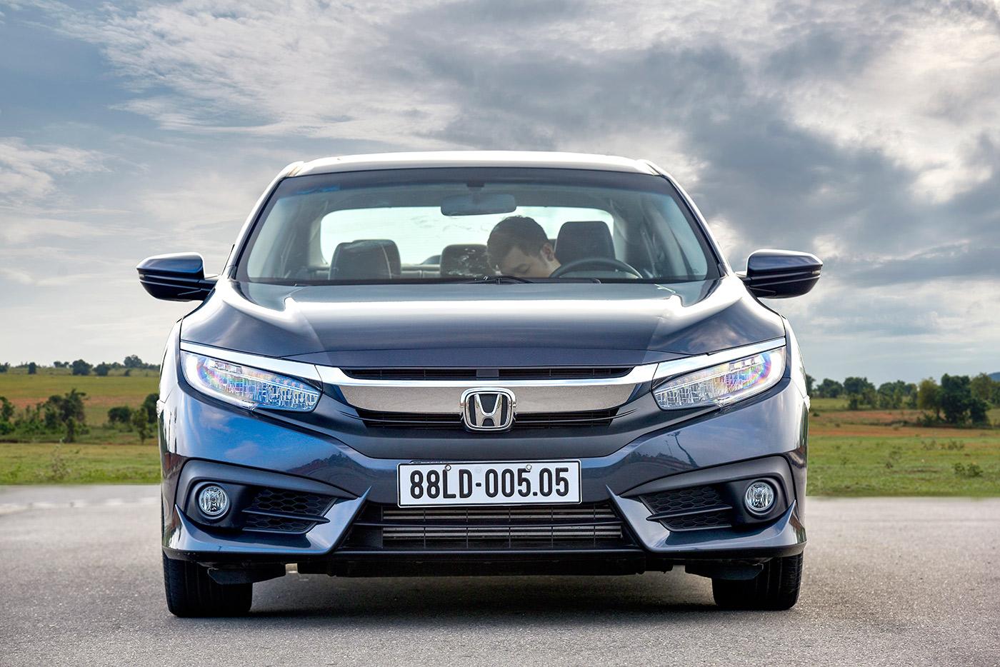 Tháng đầu bán ra thị trường, Honda Civic 2016 đạt doanh số ấn tượng