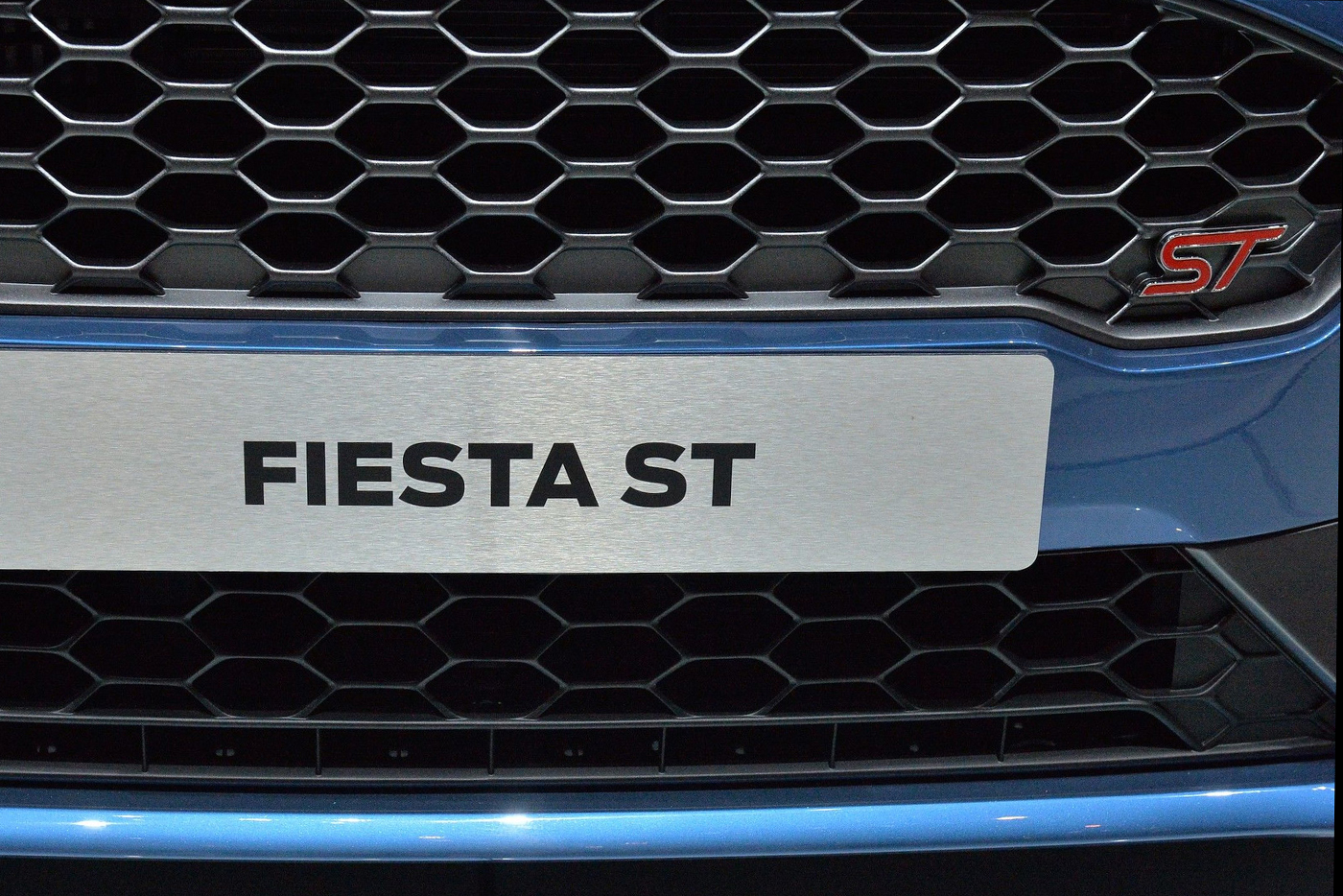 2018-ford-fiesta-st-12.jpg