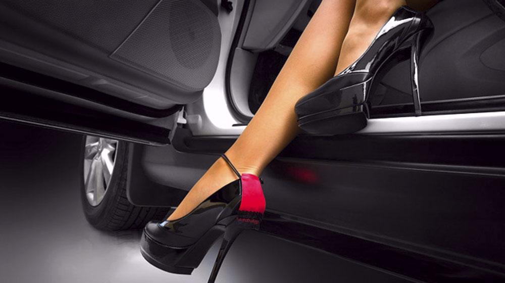 black-and-pink-woman-heels-shoes-getting-down-from-a-car-best-woman-shoes-hd-wallpapers1.jpg