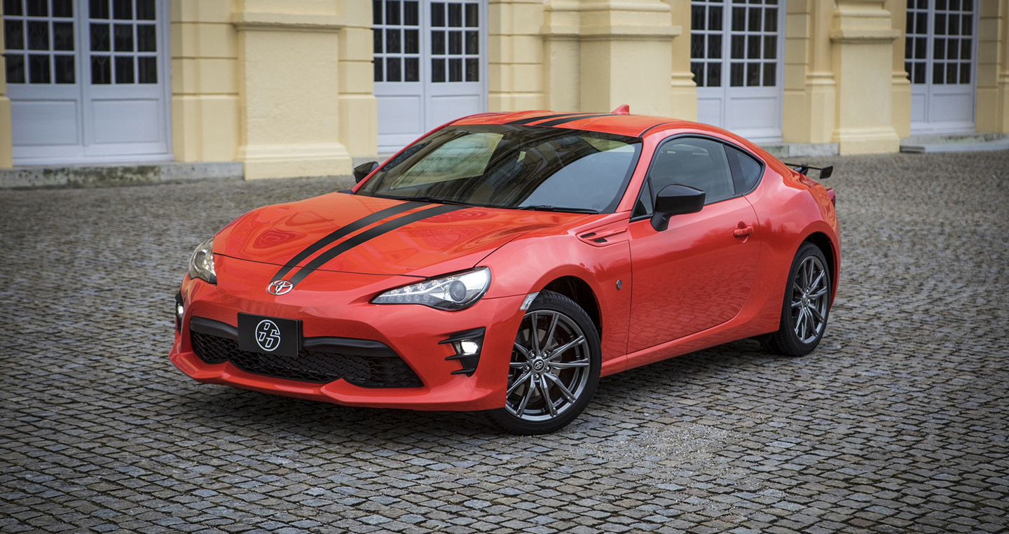2017-toyota-86-860-special-edition-1.jpg