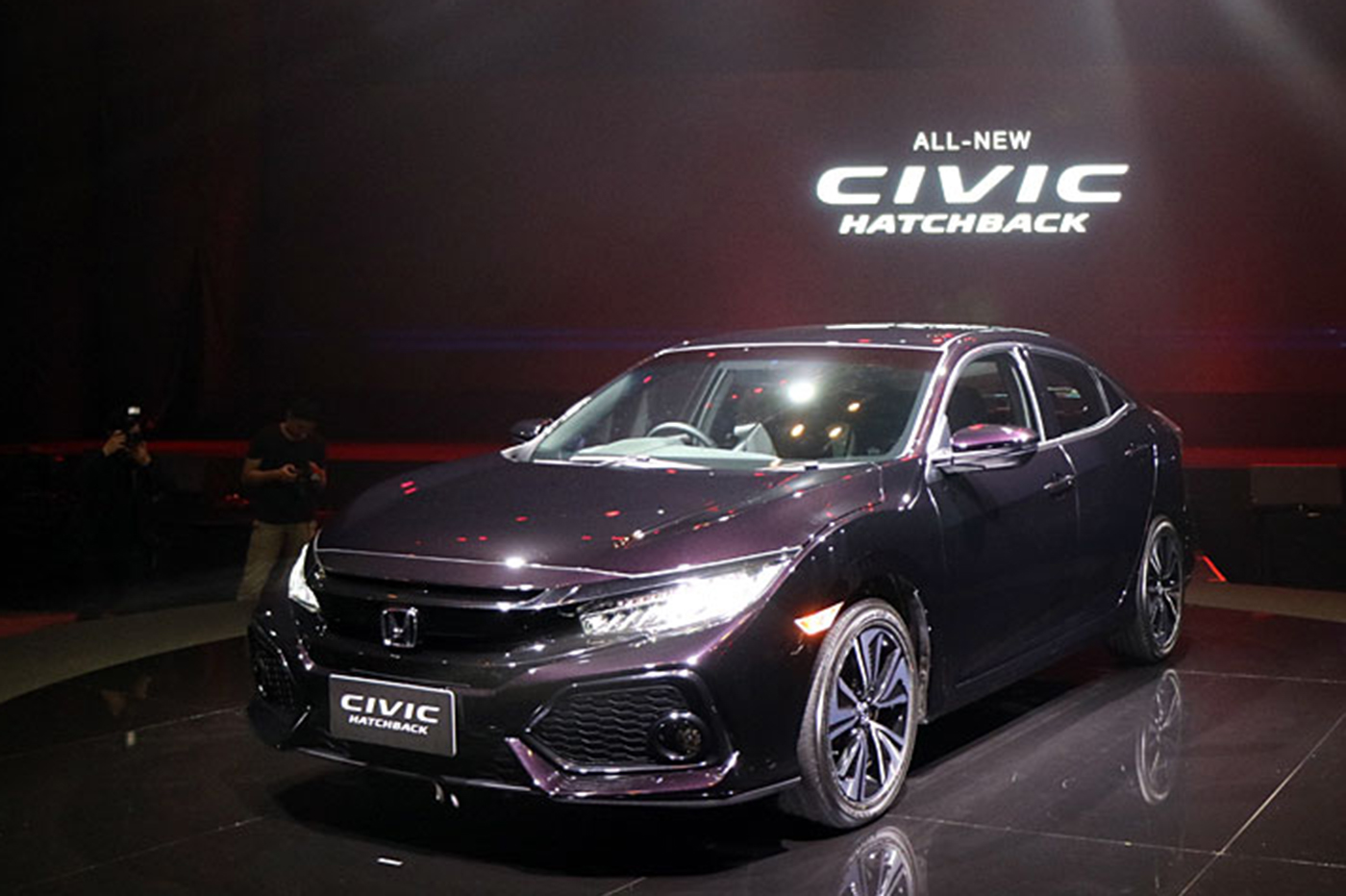 honda-civic-hatchback-turbo-2017-07.jpg