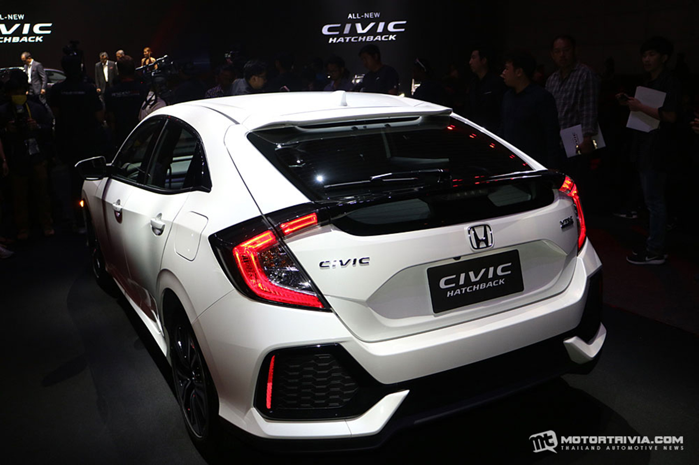 honda-civic-hatchback-turbo-2017-17.jpg