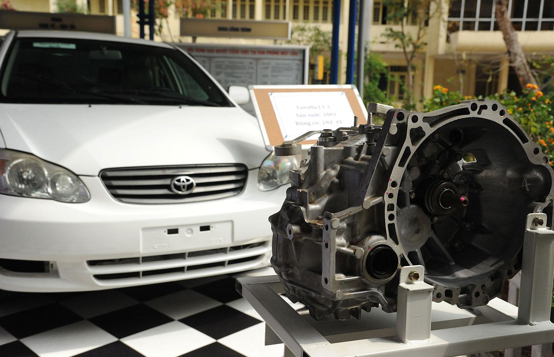 Toyota Việt Nam tặng xe và động cơ phục vụ đào tạo - ảnh 4