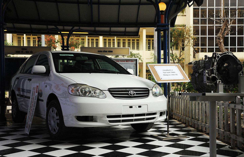 Toyota Việt Nam tặng xe và động cơ phục vụ đào tạo - ảnh 3