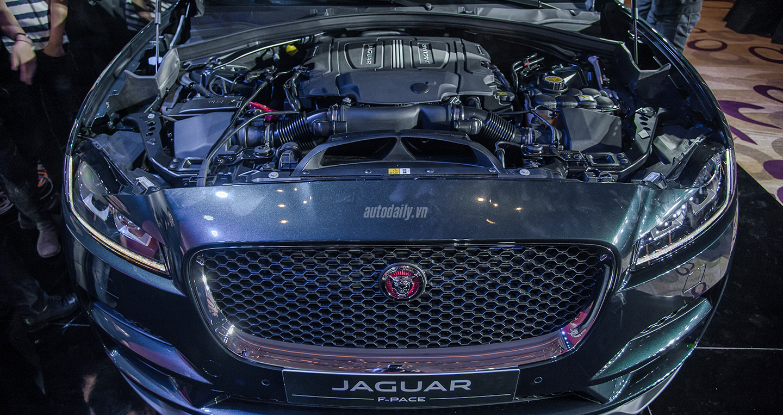 jaguar-f-pace-14.jpg