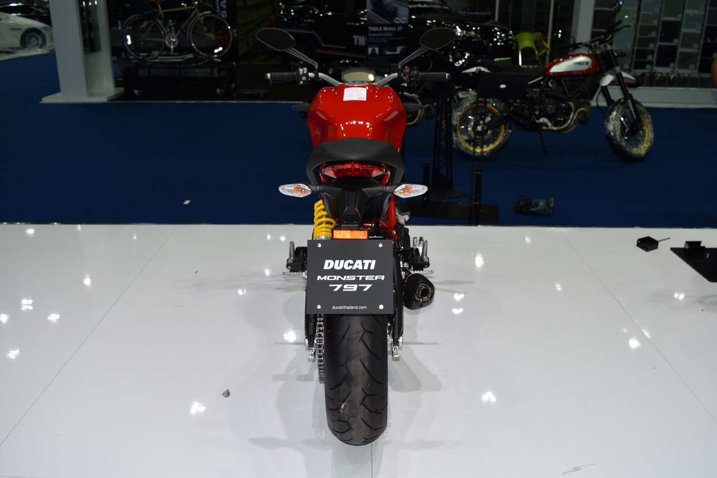 ducati-monster-797-2017-2.jpg