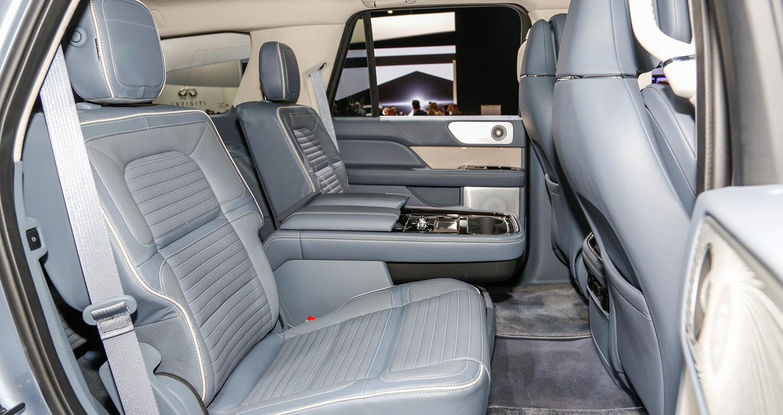 2018-lincoln-navigator-rear-interior-seats-1.jpg