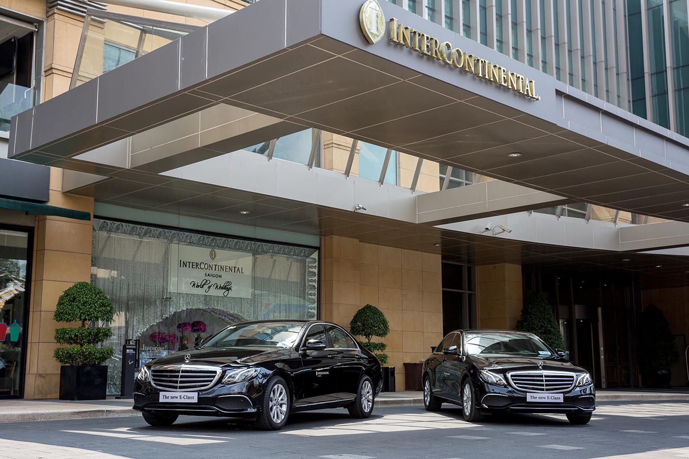 Mercedes-Benz tiếp tục bàn giao 5 xe E-Class 2017 cho khách sạn 5 sao - ảnh 3