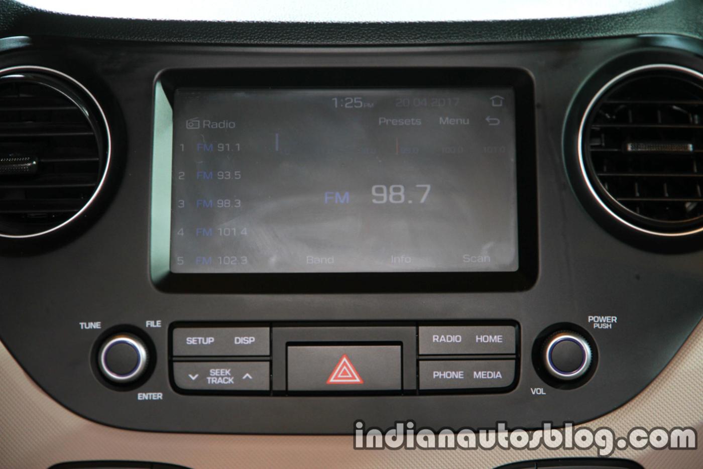 hyundai-i10-sedan-2017-2.jpg