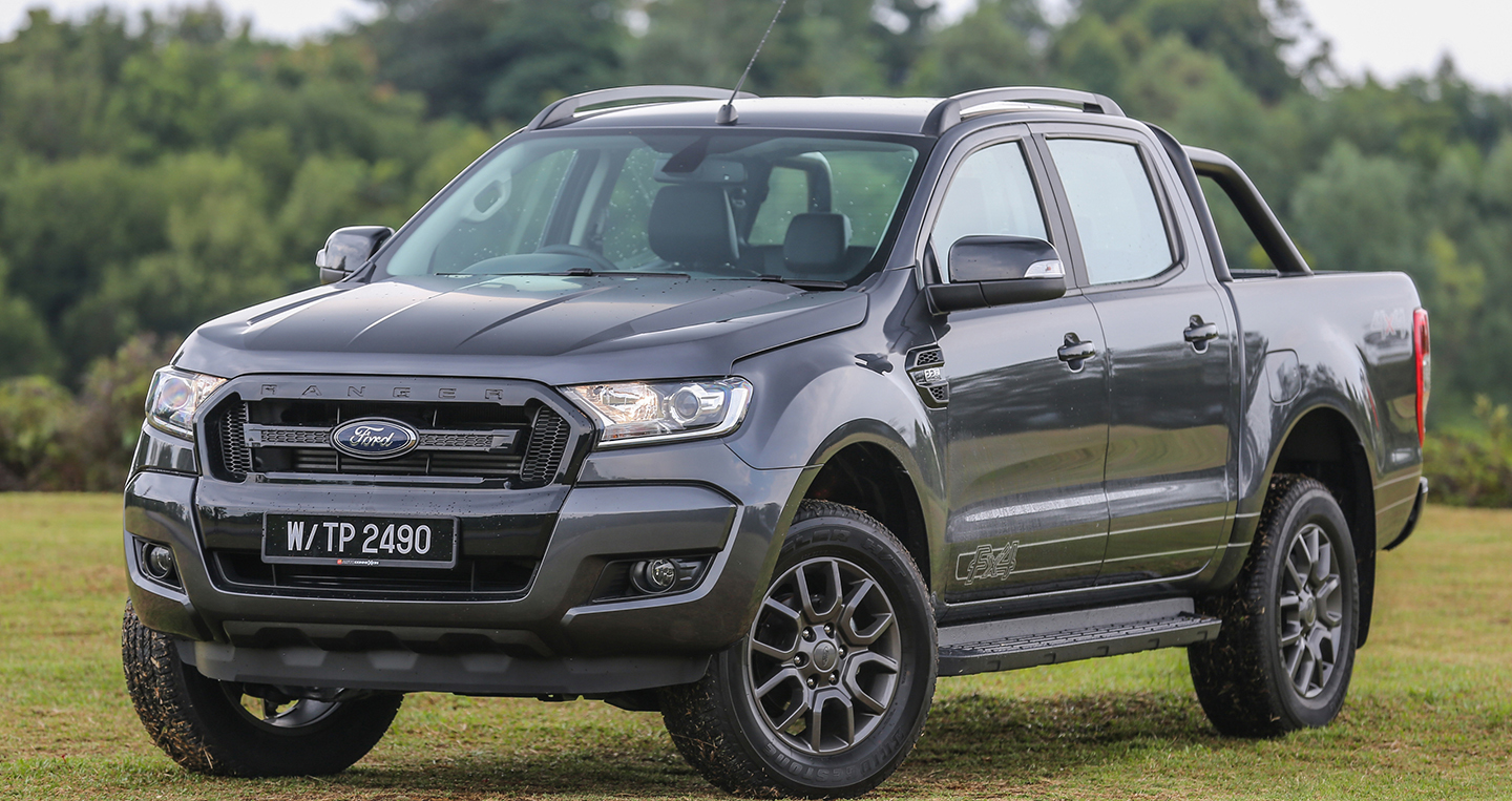 ford ranger 2017 b n c bi t ch o th tr ng ng nam. Black Bedroom Furniture Sets. Home Design Ideas