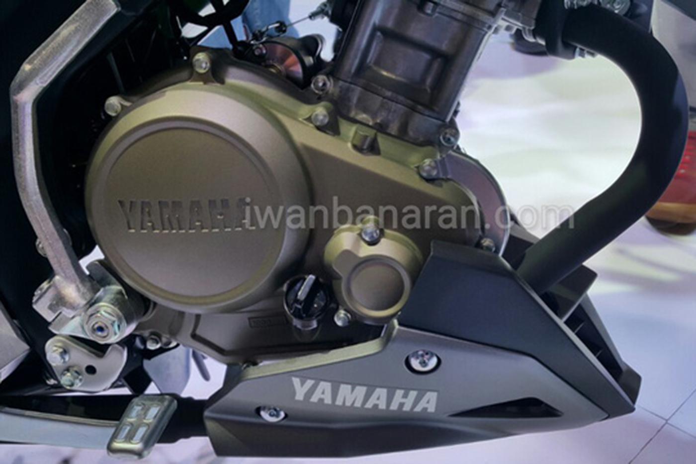 yamaha-v-ixion-r-vva-2017-10.jpg