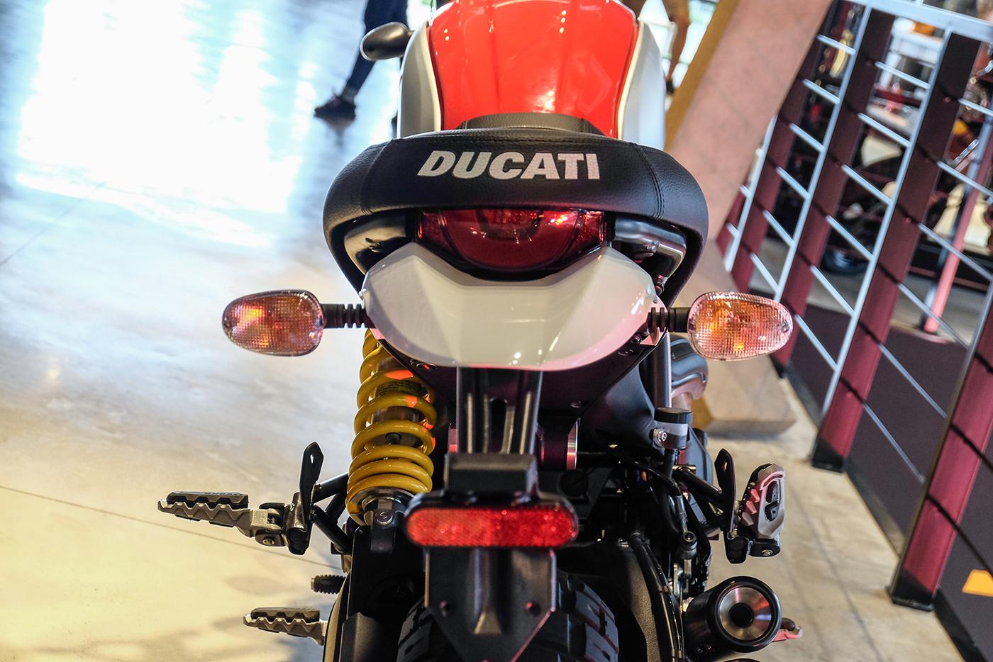 ducati-scrambler-desert-sled-17.jpg