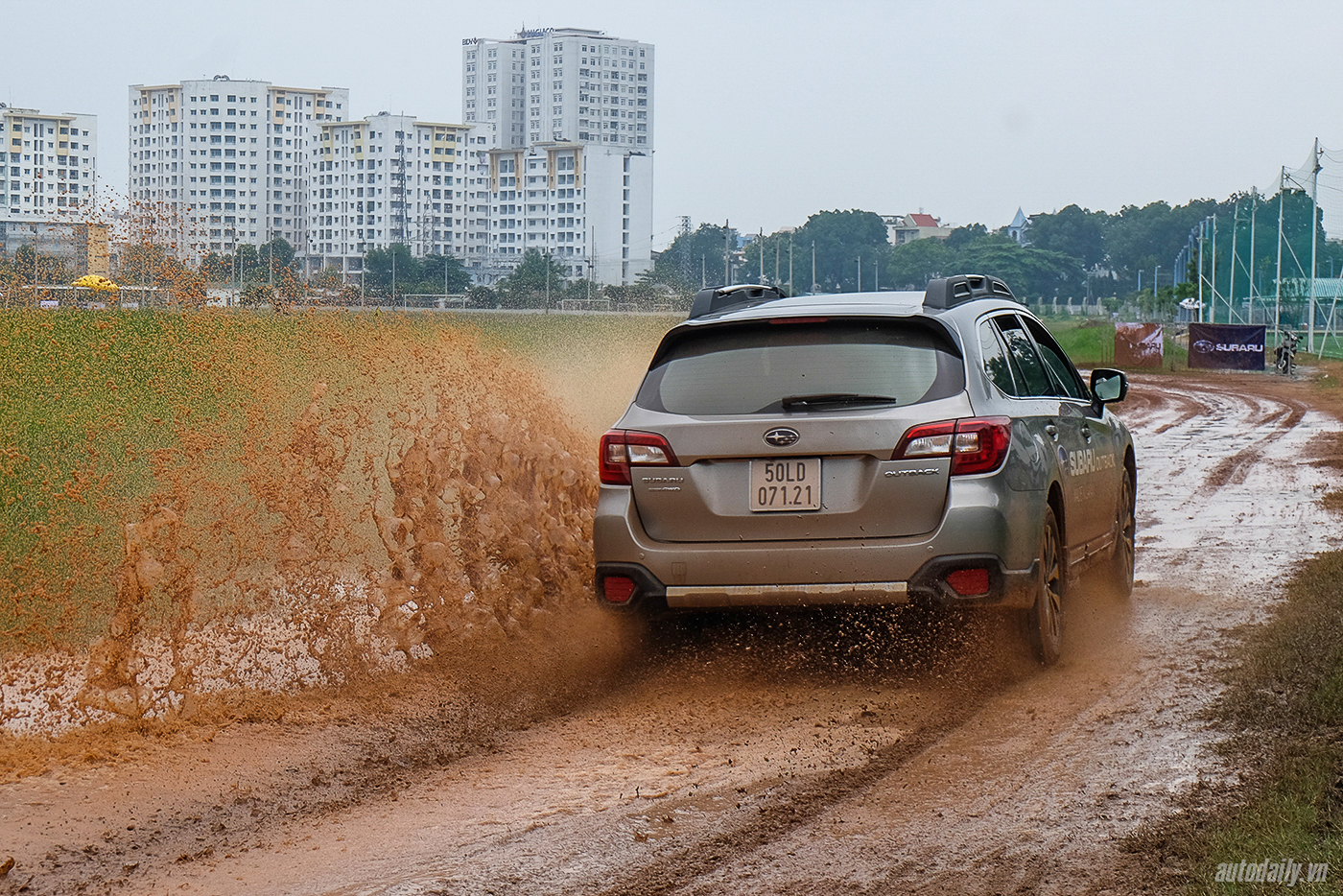 subaru-off-road-1.jpg