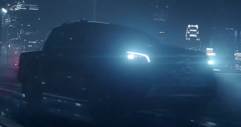 Mercedes-Benz ra mắt bán tải X-Class vào ngày 18/7 tới