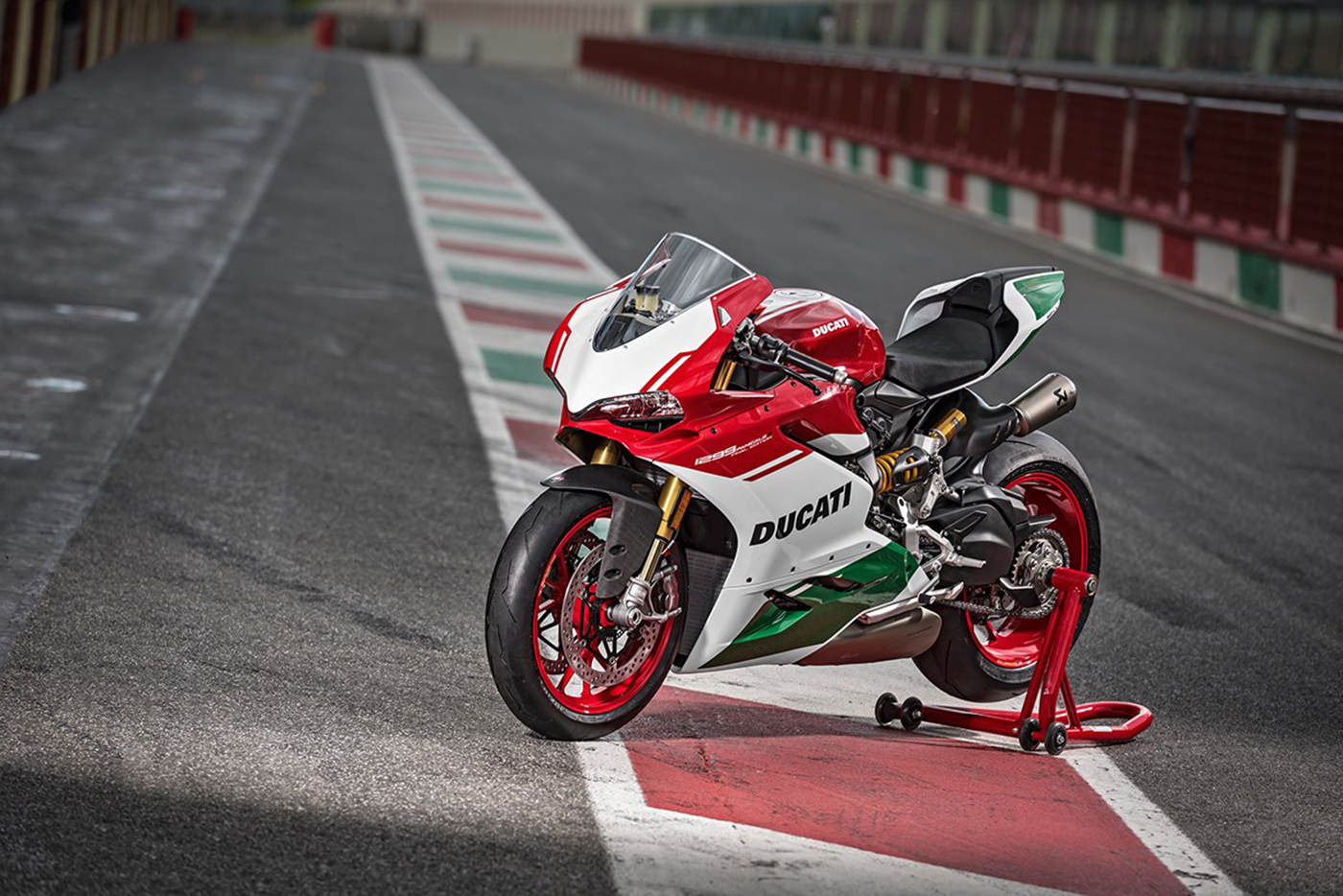 ducati-1299-panigale-r-final-edition-32.jpg