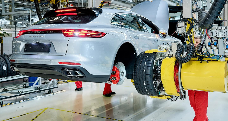 Porsche Panamera Sport Turismo 2018 bắt đầu được sản xuất