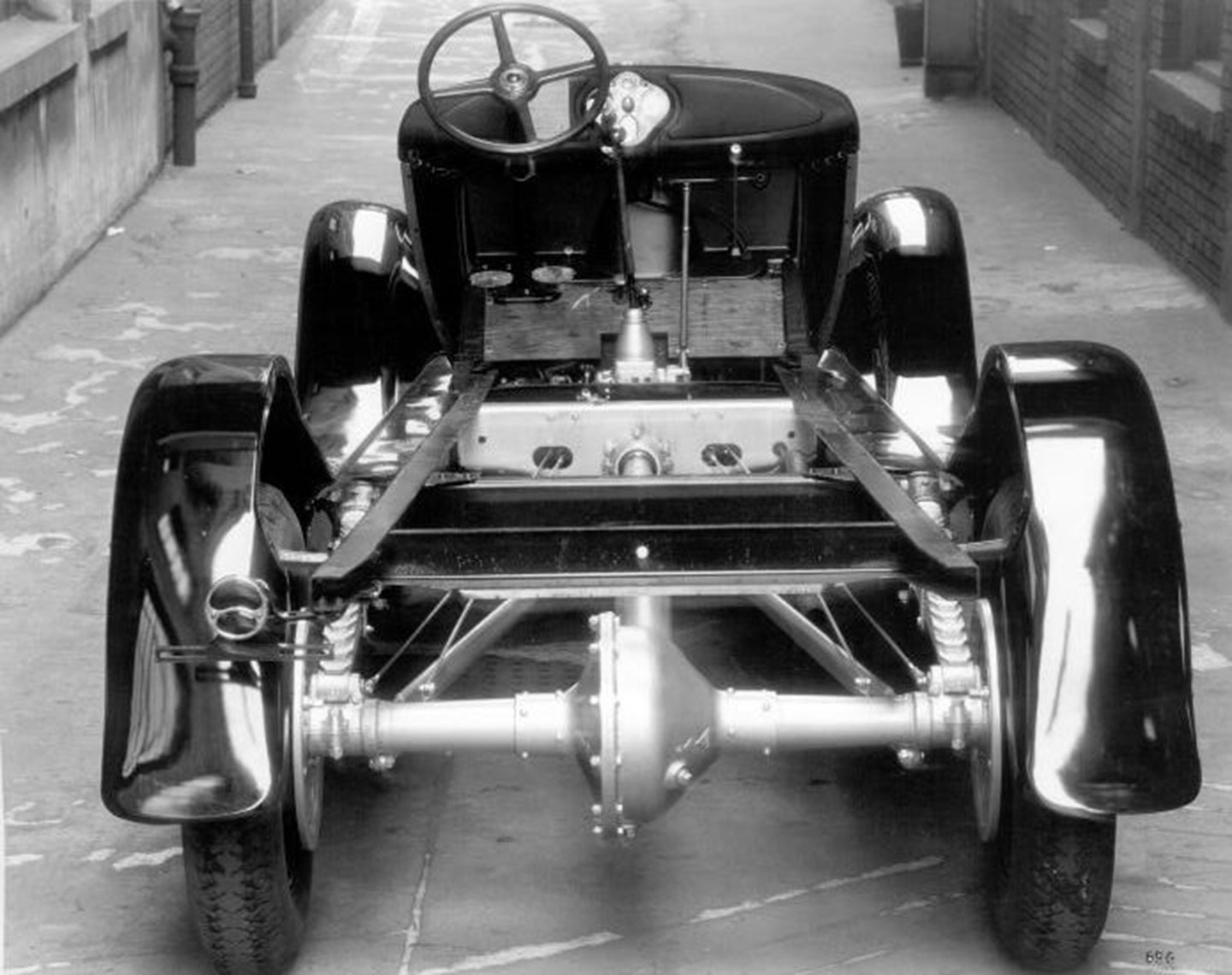 1929-model-aa-chassis-ar.jpg