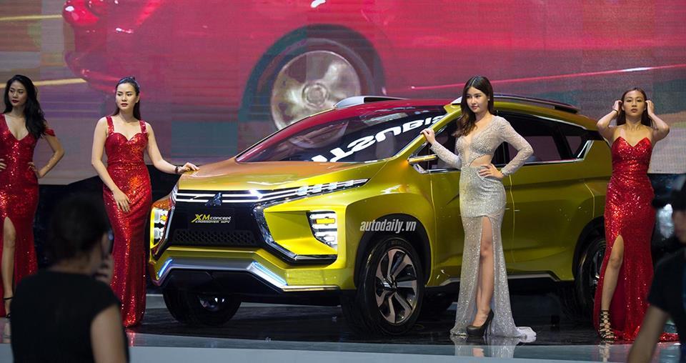 """Triển lãm Ôtô Việt Nam khai màn: """"Ngập"""" xe mới"""