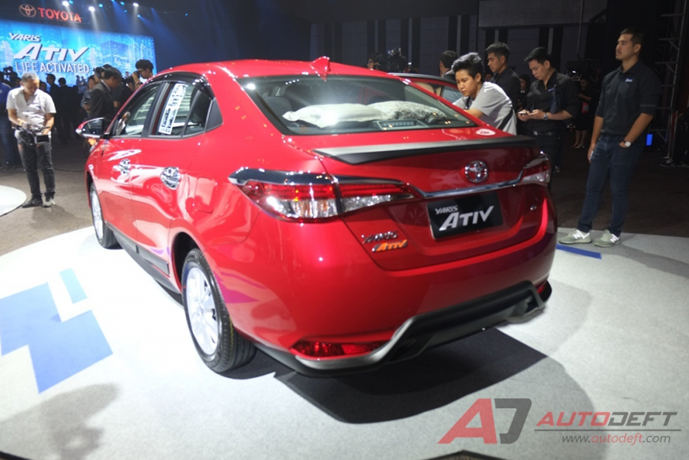 toyota-yaris-sedan-2018-24.jpg