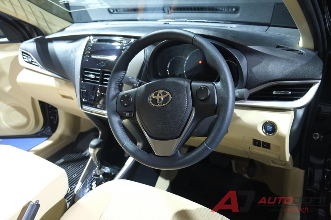 toyota-yaris-sedan-2018-30.jpg