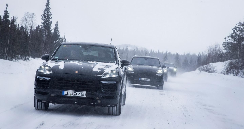Porsche tung Teaser, chốt ngày ra mắt Cayenne thế hệ mới