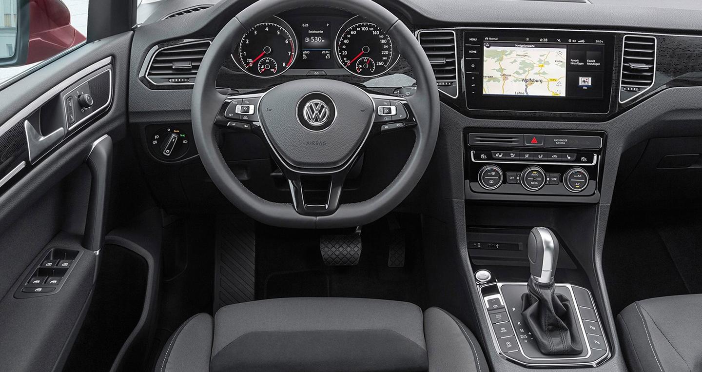volkswagen-golf-sportsvan-2018-4.jpg
