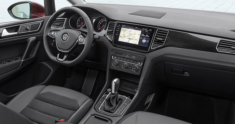 volkswagen-golf-sportsvan-2018-5.jpg