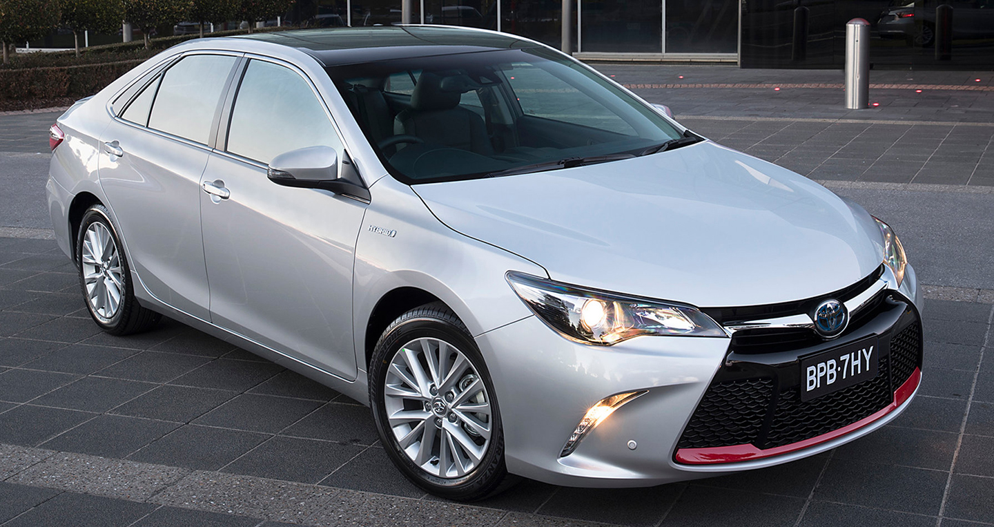 toyota-camry-commemorative-edition-1.jpg