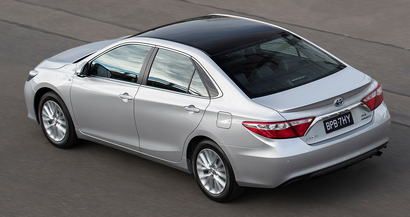 toyota-camry-commemorative-edition-7.jpg