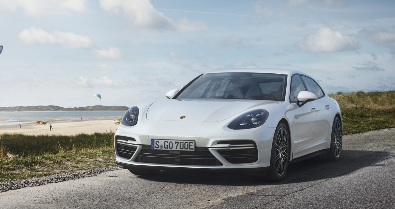 Porsche trình làng Panamera Turbo S E-Hybrid Sport Turismo, tiêu thụ 3L/100 km