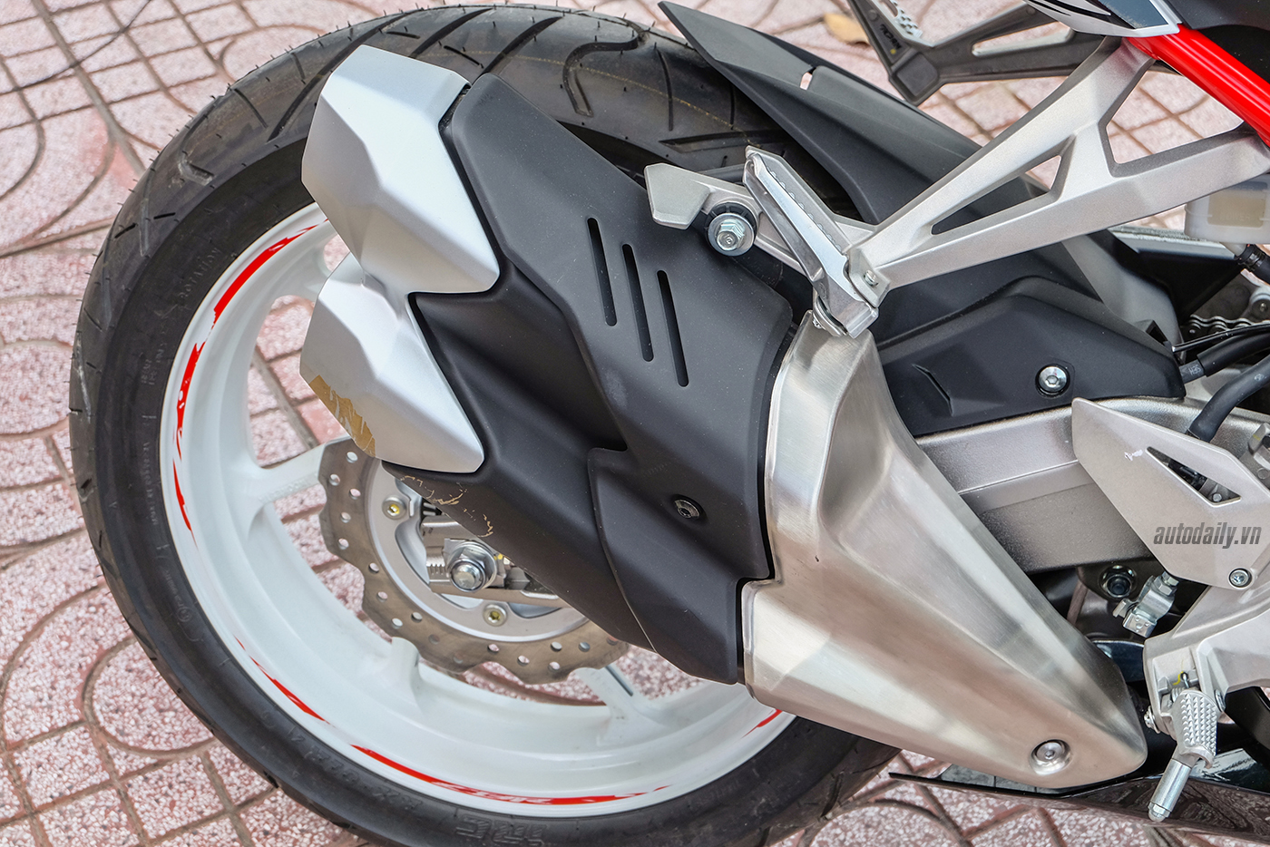 honda-cbr250rr-the-art-of-kabuki-2017-10.jpg