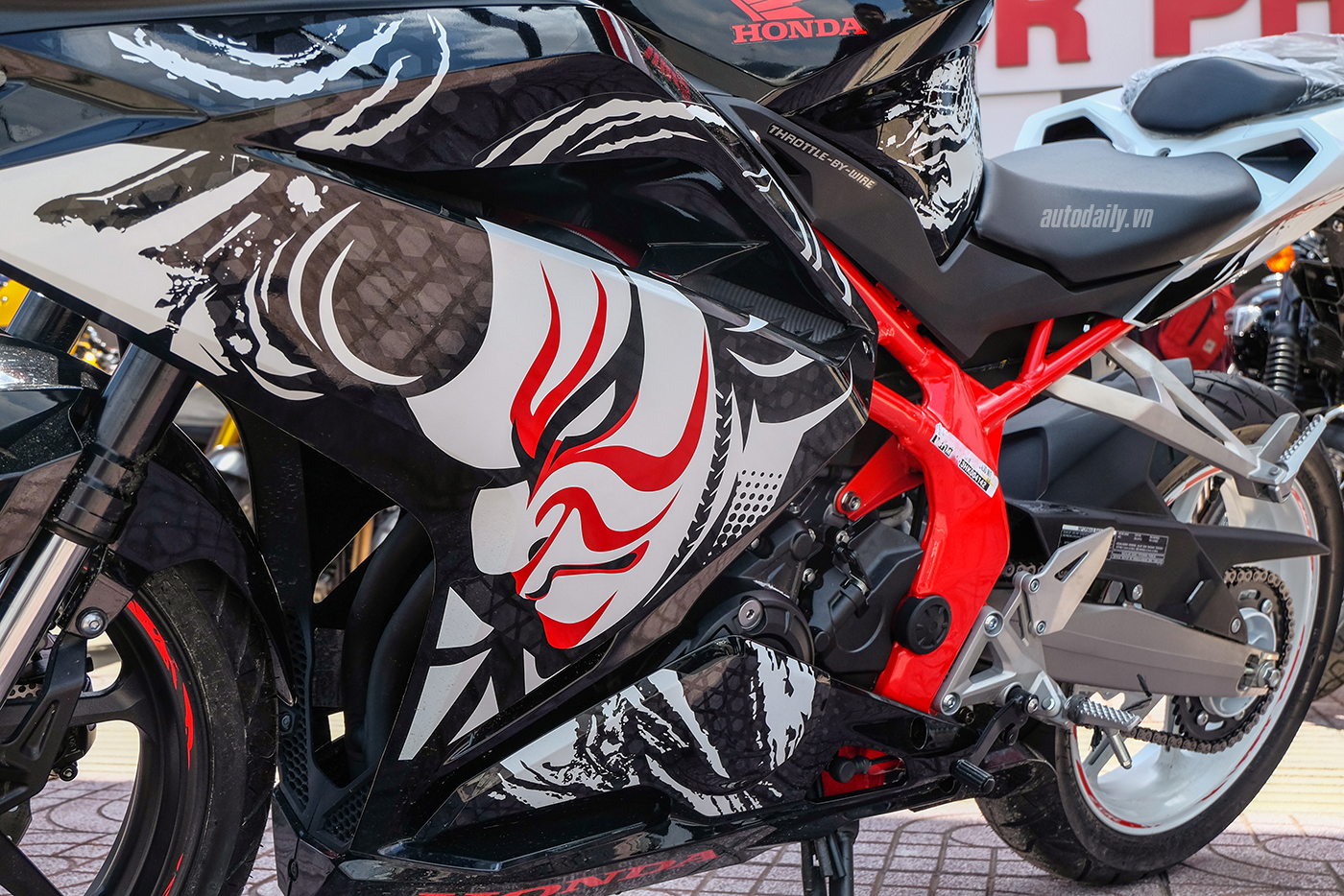 honda-cbr250rr-the-art-of-kabuki-2017-3.jpg
