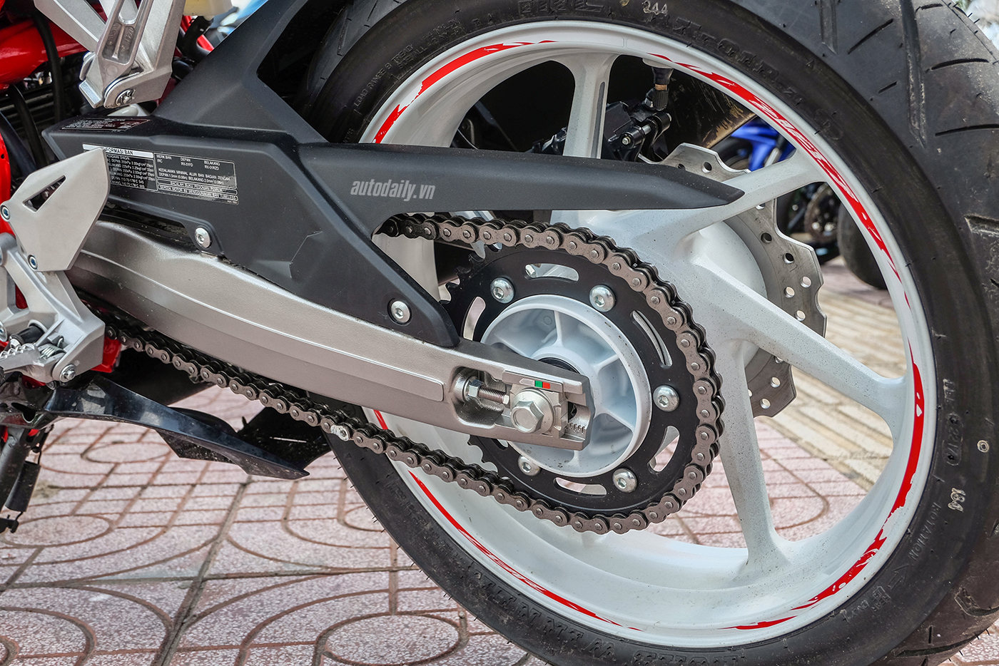 honda-cbr250rr-the-art-of-kabuki-2017-8.jpg