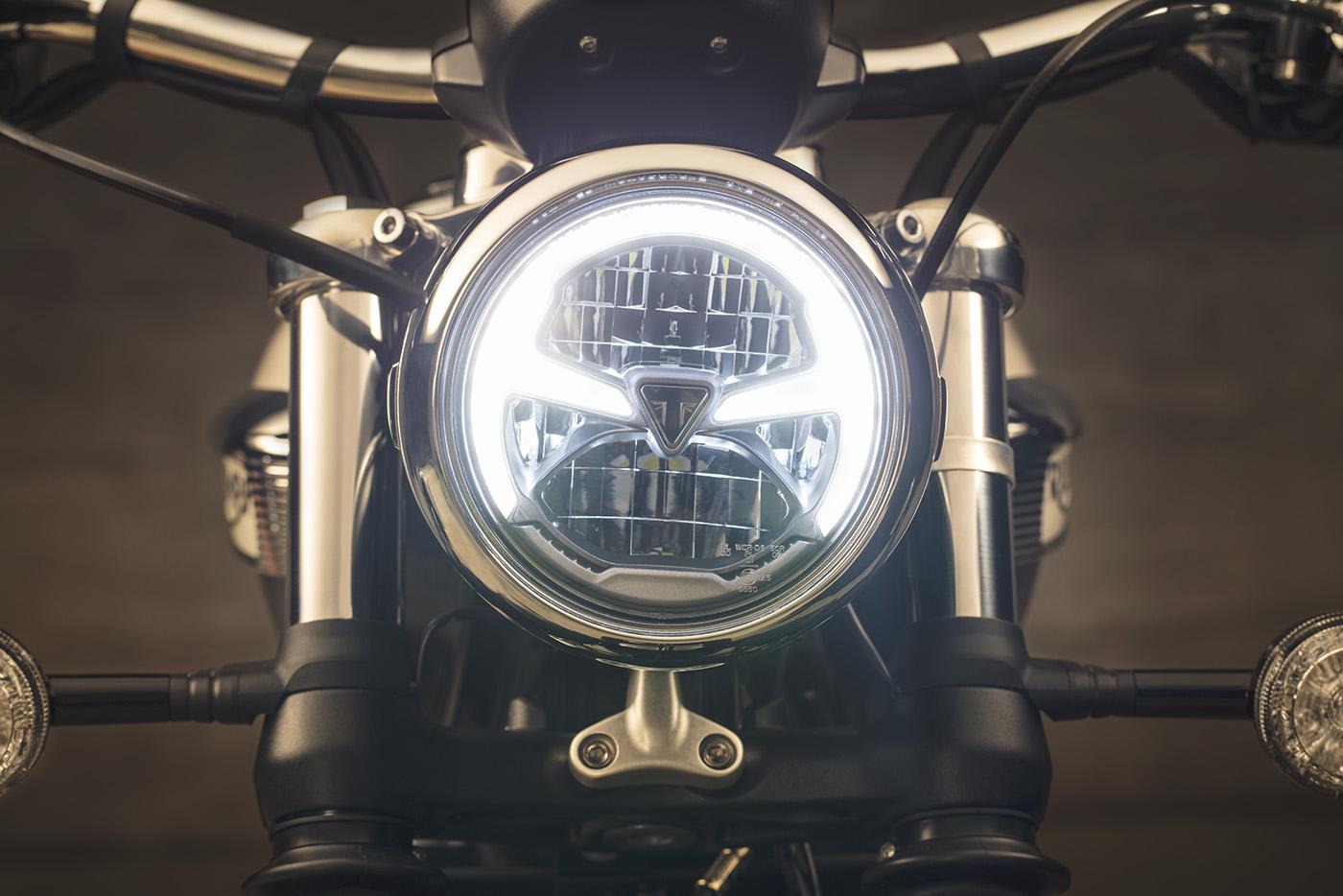 triumph-bonneville-speedmaster-2018-11.jpg