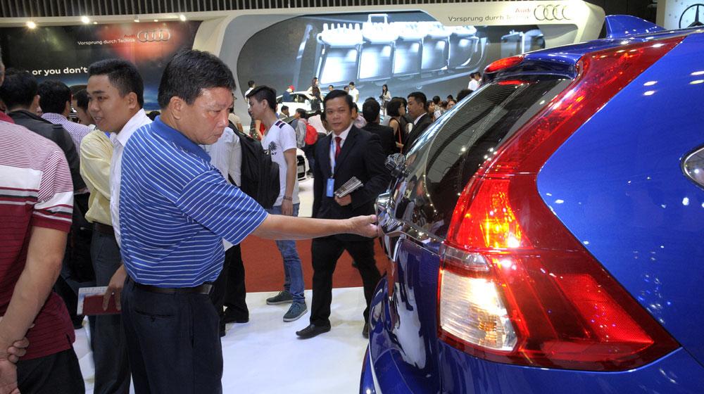 20150811163110-ban-xe-autodaily.jpg