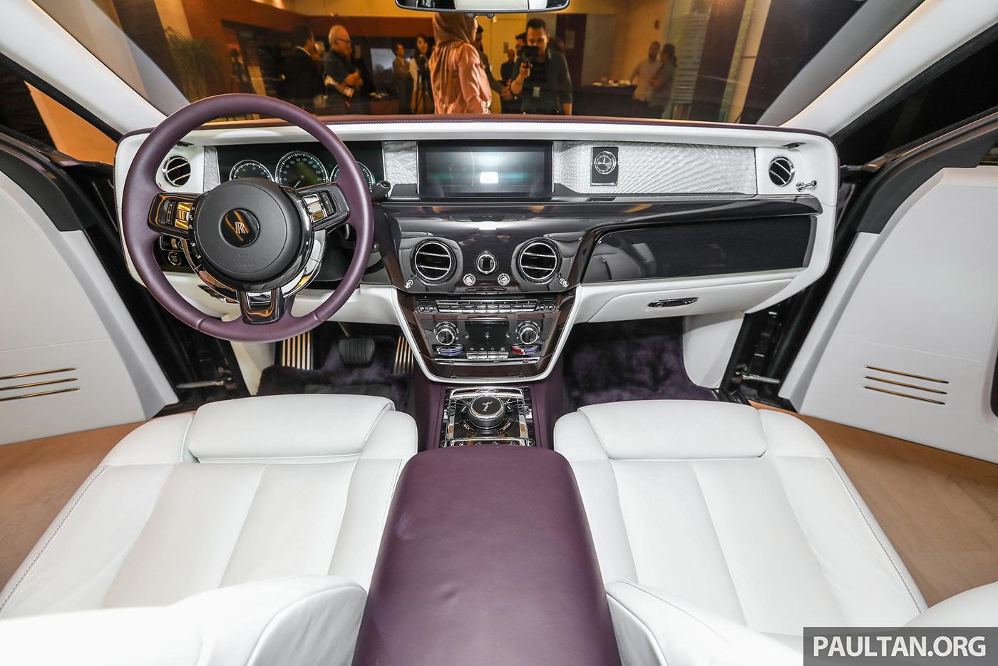 Xem thêm ảnh chi tiết Rolls-Royce Phantom 2018 tại Malaysia
