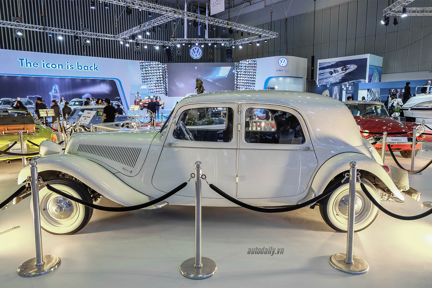 citroen-traction-1942-4.jpg