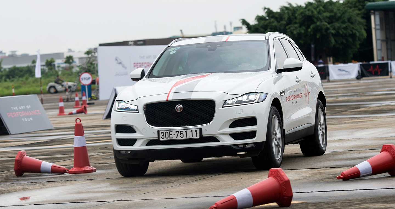Khách hàng nói gì sau khi trải nghiệm Jaguar XF và F-Pace?