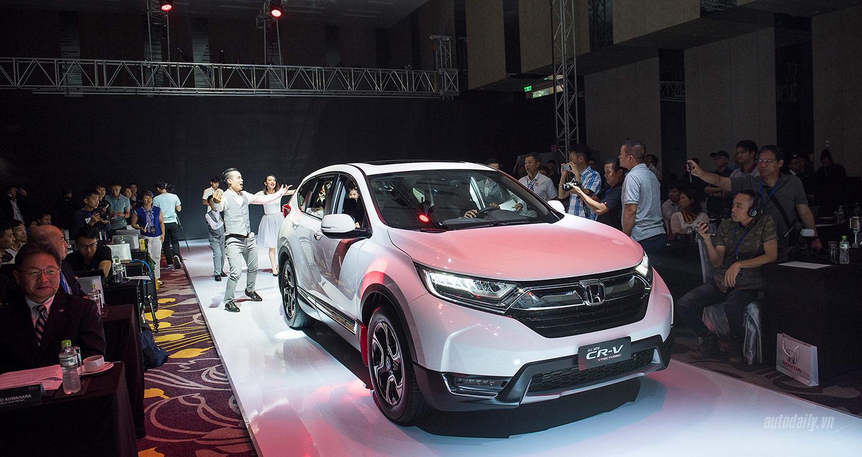 """Giá """"lăn bánh"""" của Honda CR-V 5+2 2017 là bao nhiêu?"""