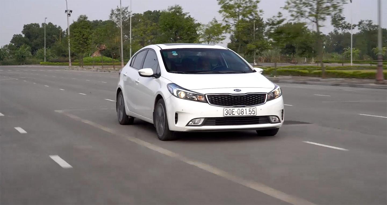 Đánh giá xe Kia Cerato 2.0 sau 10.000km sử dụng: Khen nhiều mà chê cũng không ít