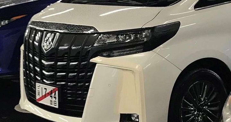 2018-toyota-alphard-facelift-front-fascia-spy-shot.jpg