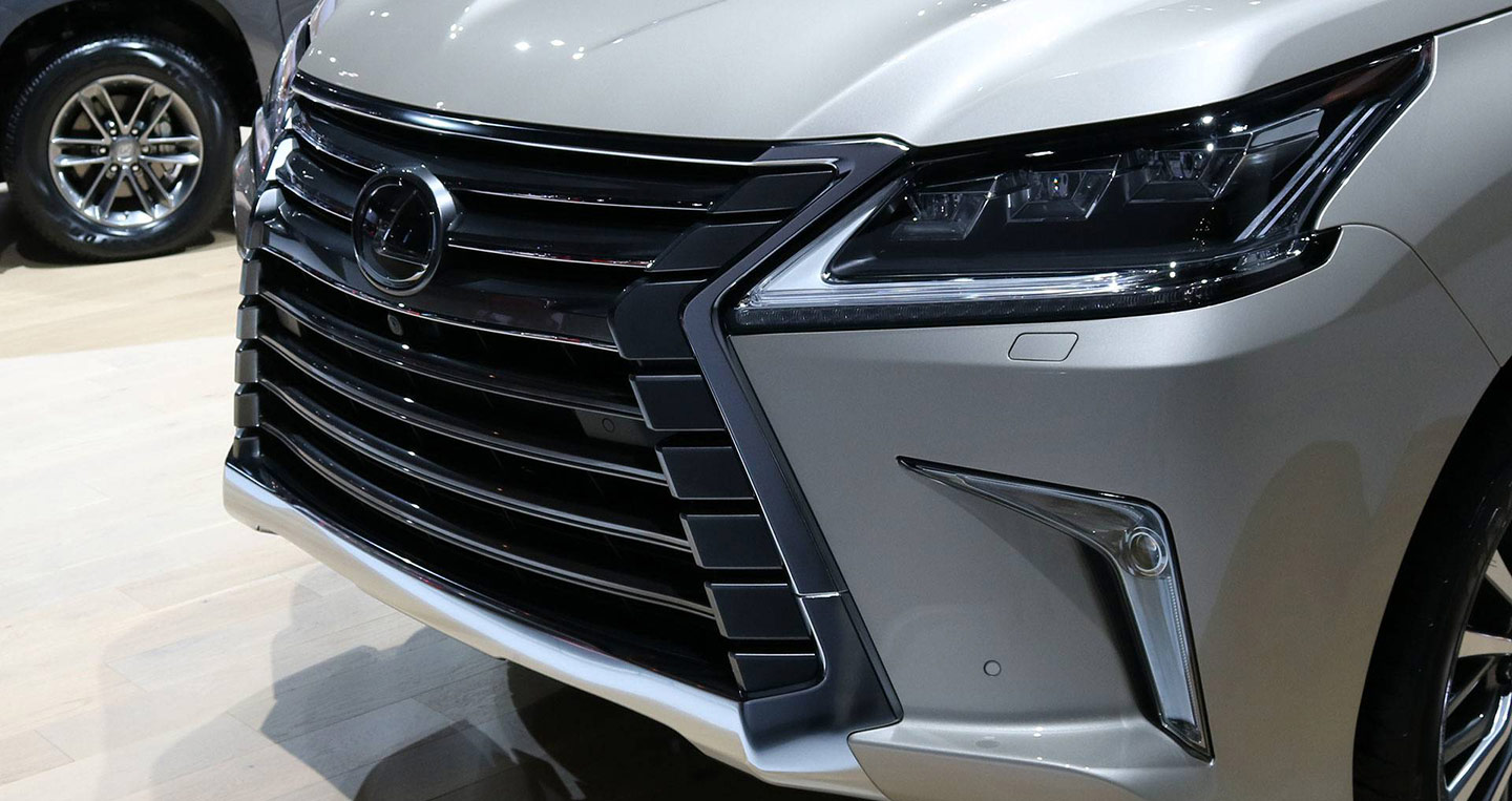 2018-lexus-lx-570-two-row-1.jpg