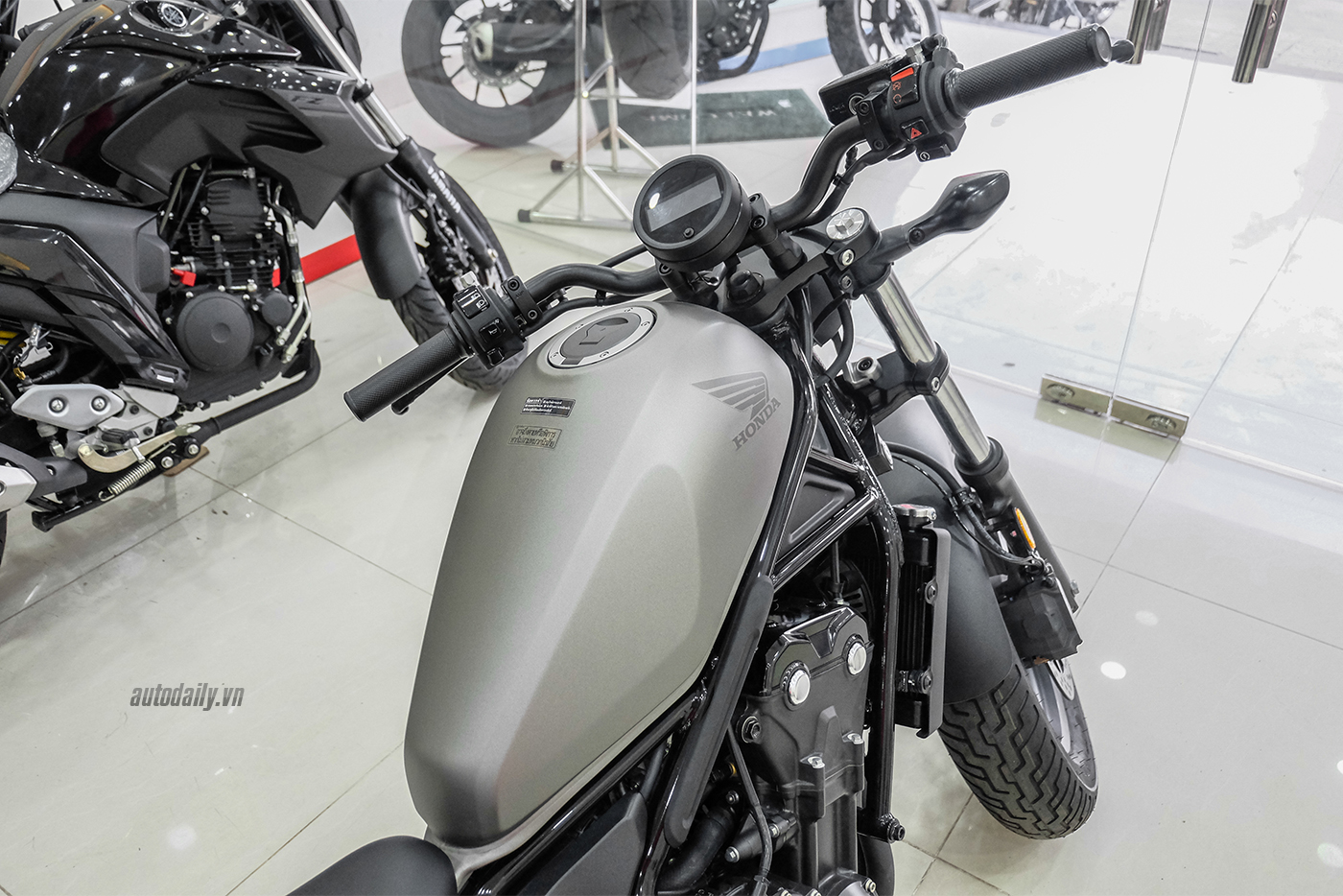 honda-rebel-500-abs-2017-11.jpg