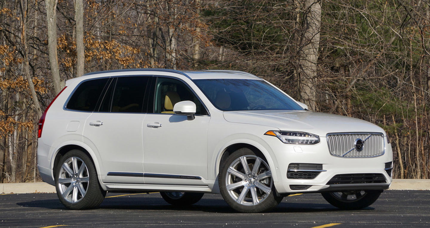 2017-volvo-xc90-t8-review.jpg